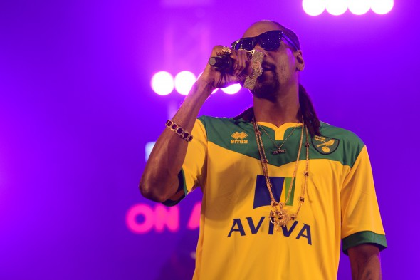 Snoop_Dogg_Live_at_BBC_Radio_1_Big_Weekend_in_Norwich.jpg